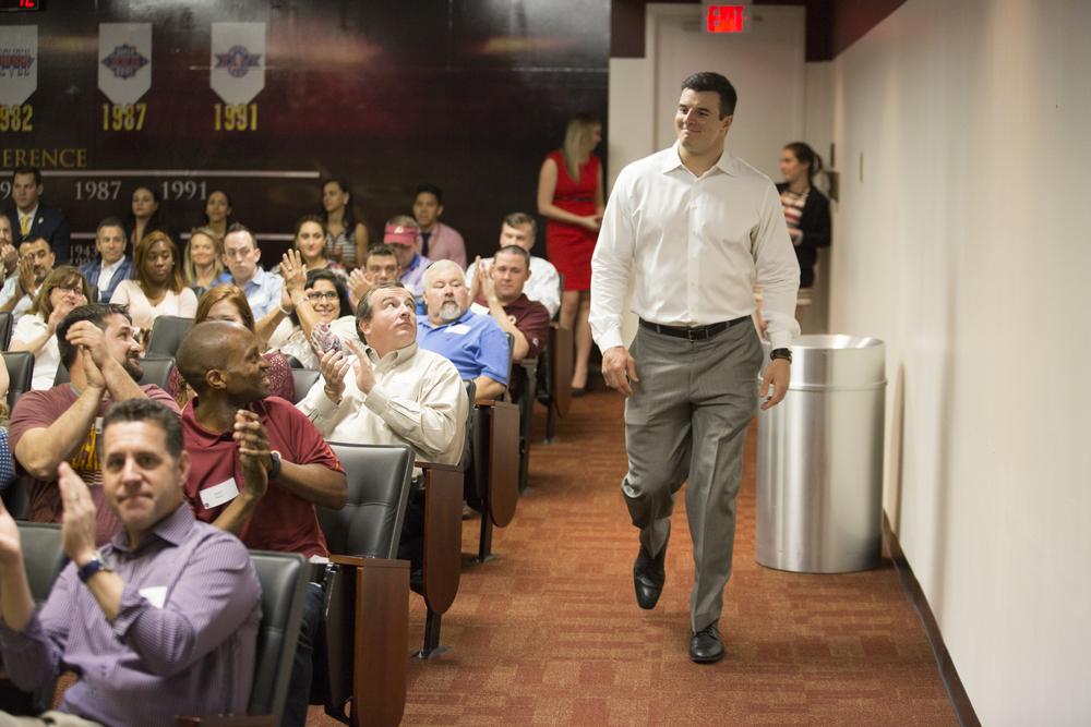 Ryan Kerrigan Hosts Chalk Talk With Redskins Season Ticket Holders