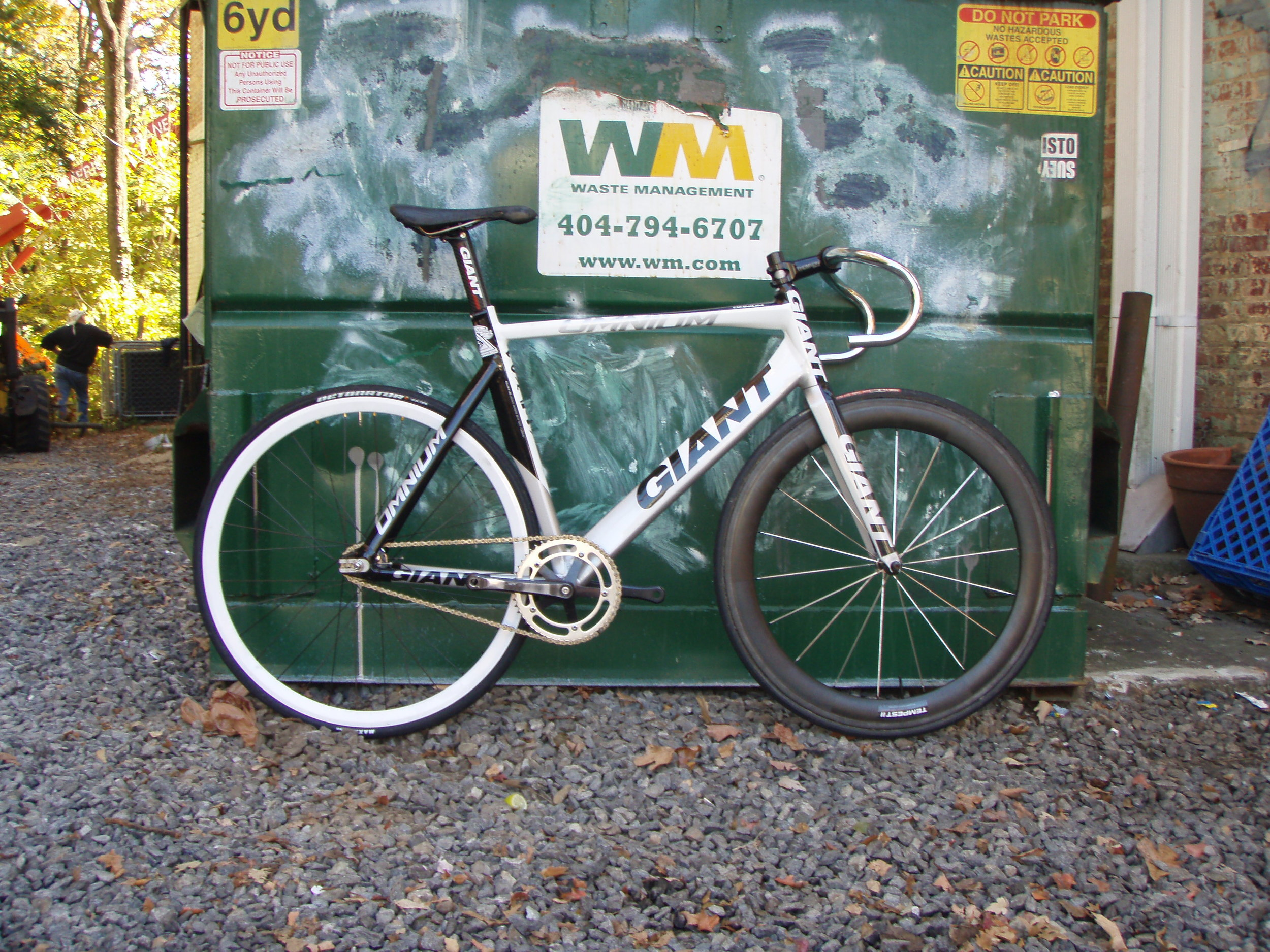 Chris\'s Giant Omnium is FOR SALE — Loose Nuts Cycles