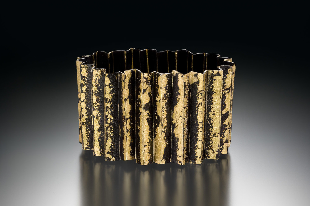 Corrugated Locking Bracelet