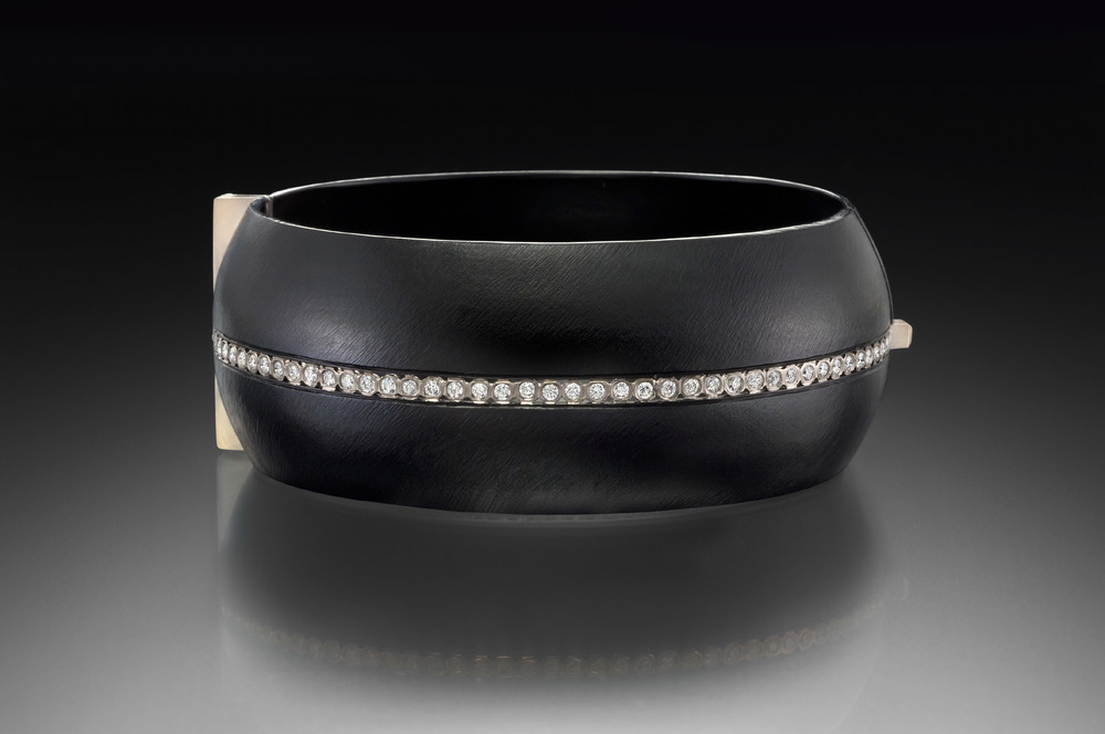 Full Stripe Domed Locking Bracelet