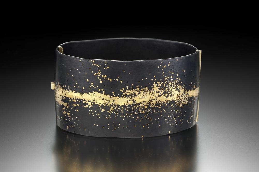 Wide Hinged Dust Locking Bracelet