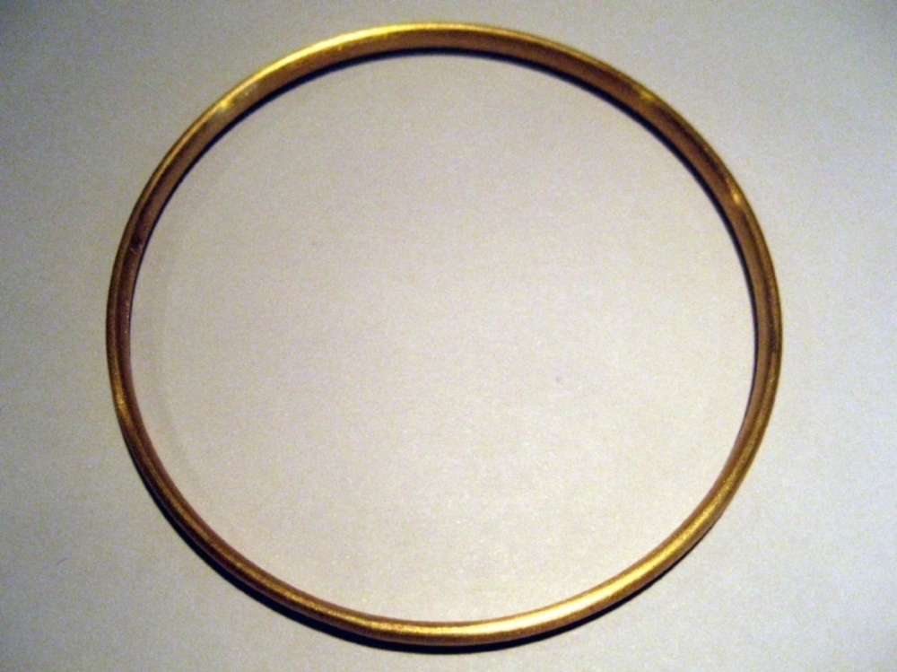 Oval Solid 22K Bangle