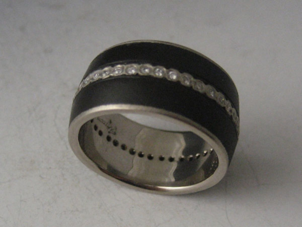 Diamond Stripe with 18k White Gold Liner