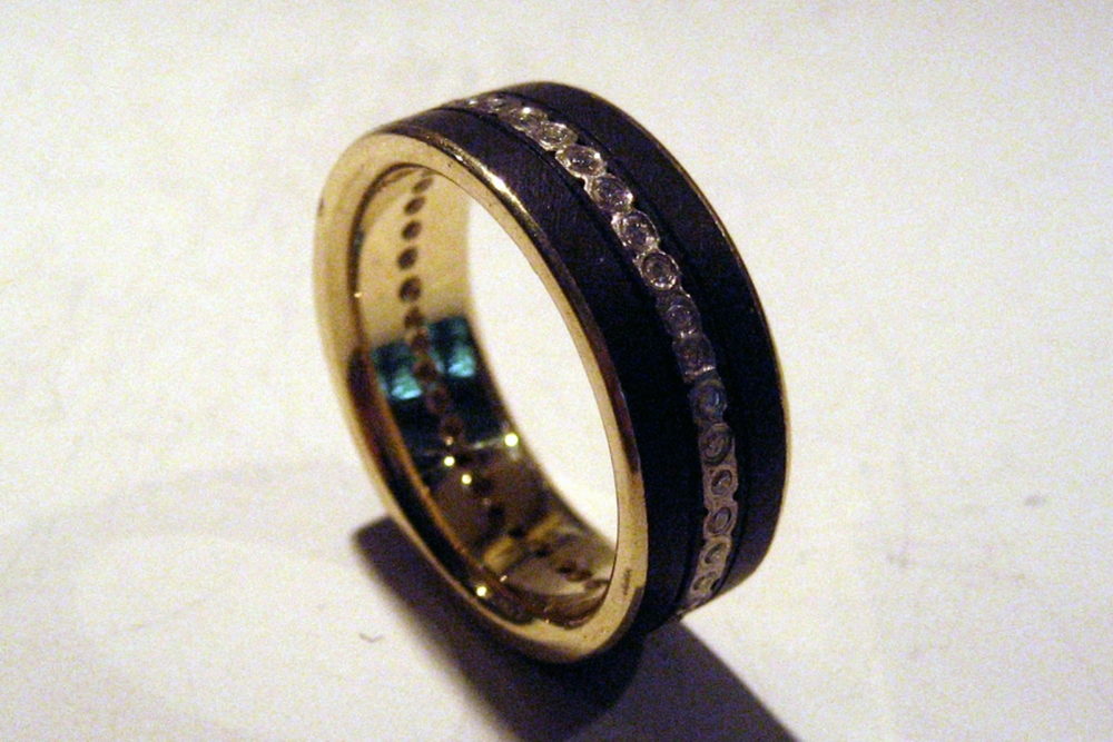 Narrow Diamond Stripe Ring with 18k Yellow Gold Liner