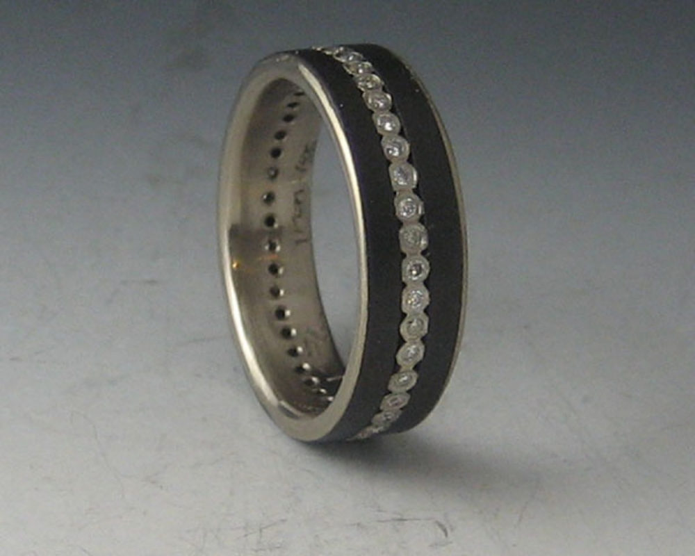 Narrow Diamond Stripe Ring with 18k White Gold Liner