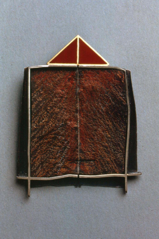 Brooch 2.jpg