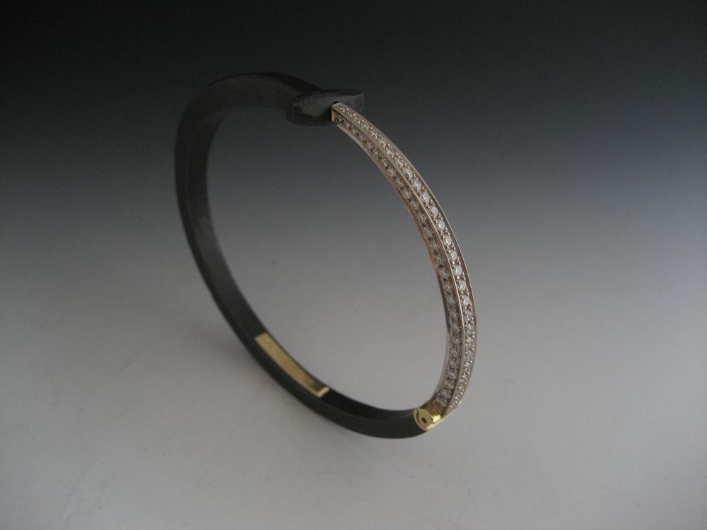 Pavé Tail Nail Bracelet