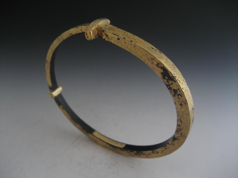 Super Dust Nail Bracelet