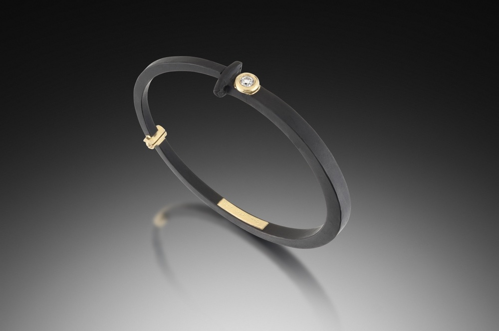 15pt Round Diamond Nail Bracelet