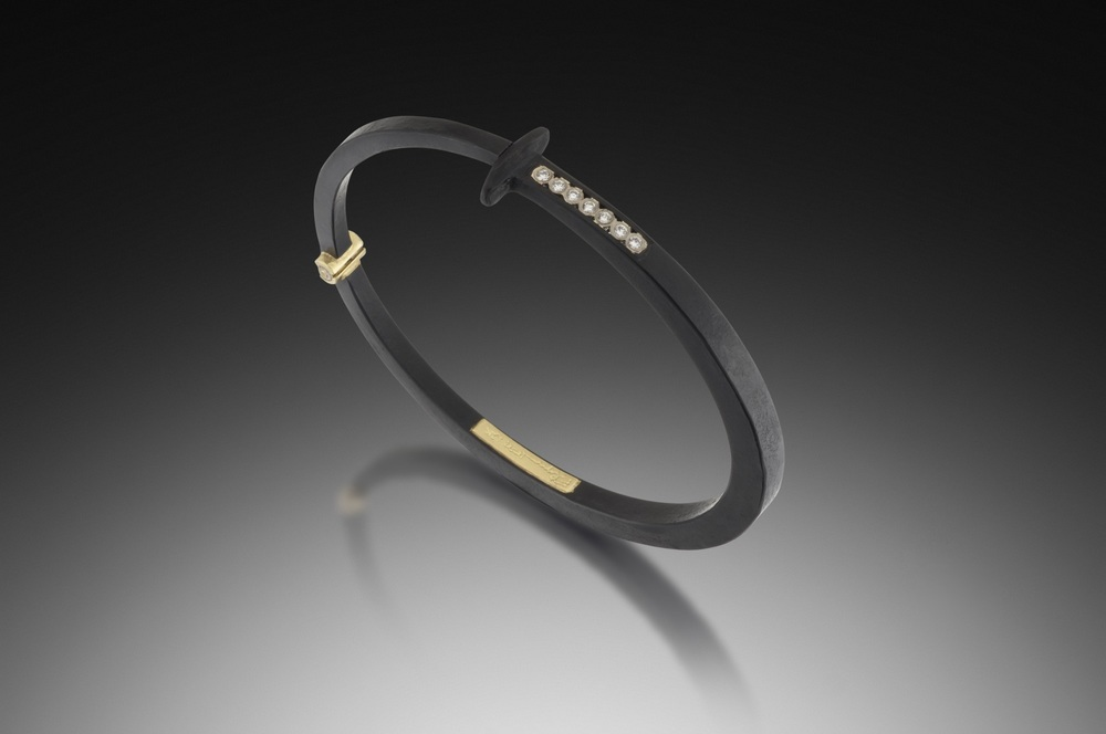 Short Stripe Nail Bracelet