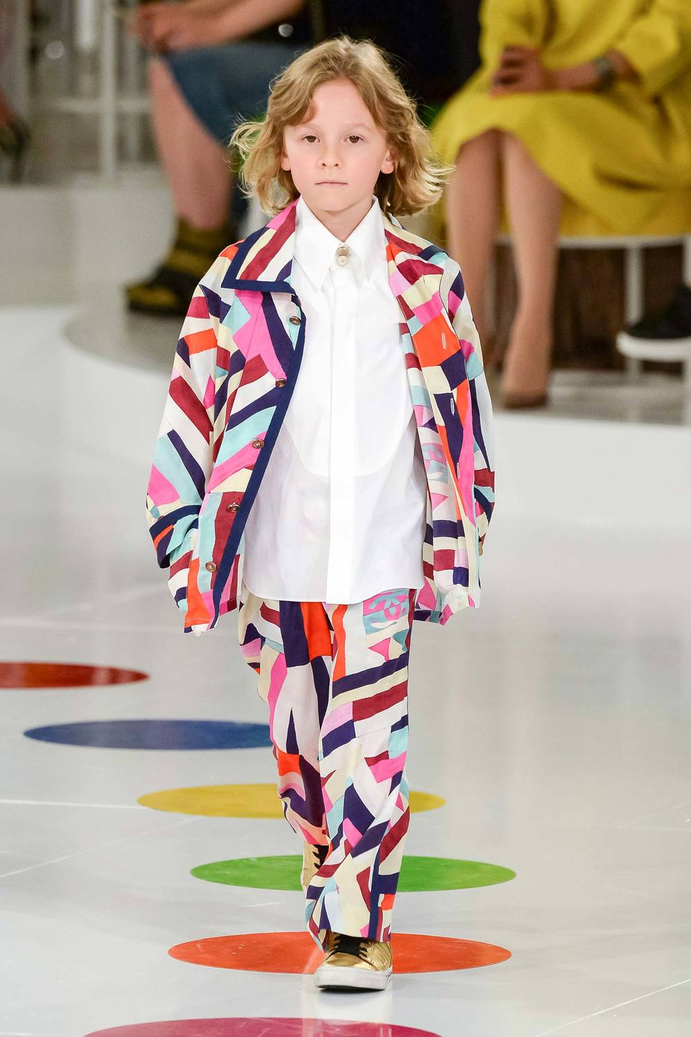 Karl Lagerfelds god son made an appearance on the runway for Chanel CR 16 in Korea, sporting the brighter, more chevron oriented print - so cute!!!! Completely off subject - but yet another nod to the sudden growing crescendo of 'Mommy and Me' product that seems to be re-surging in the market place - but that's another story!