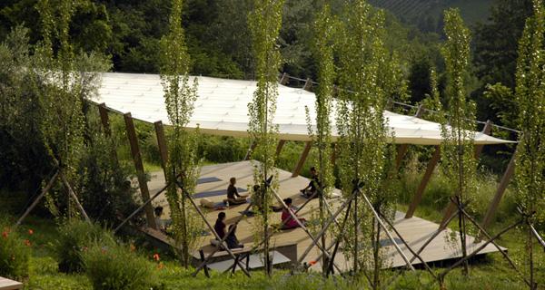 outdoor yoga shala in Italy.jpg