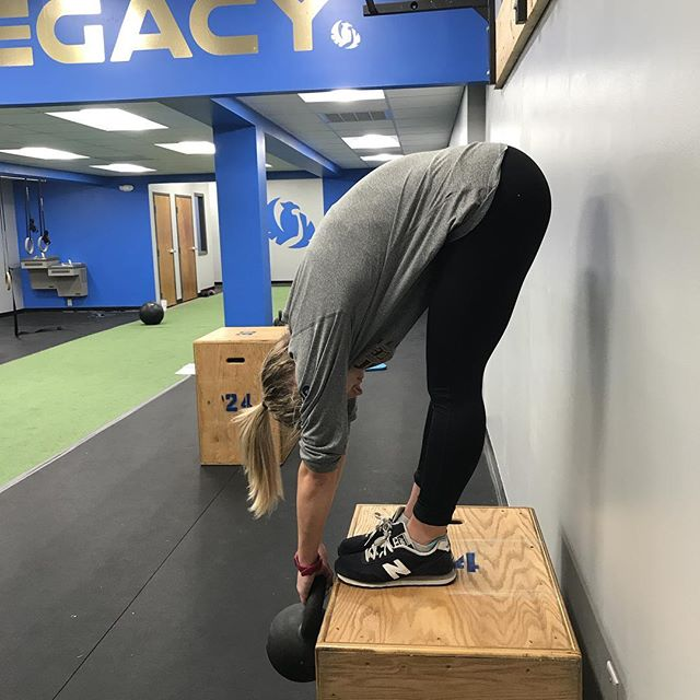 Strength without flexibility can sometimes lead to injury. @isabelle_lejeune doing a phenomenal #JCurl! . . . . #LegacyPerformance #TrainSimple #injuryprevention #sportsperformance #athleticdevelopment #athlete #strengthtraining #strengthandconditioning #lacrosse #newportnews #flexibility #mobility #strength