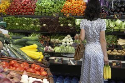 woman veggies