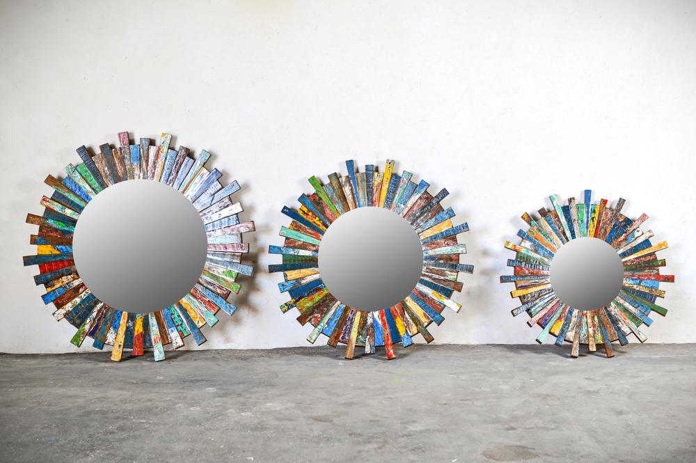 Трио круглых цветных зеркал.jpg