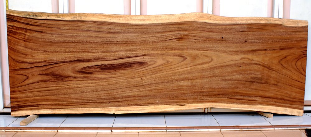 SUAR Материал:слэб деревасуар Размеры: 240x80х7 см