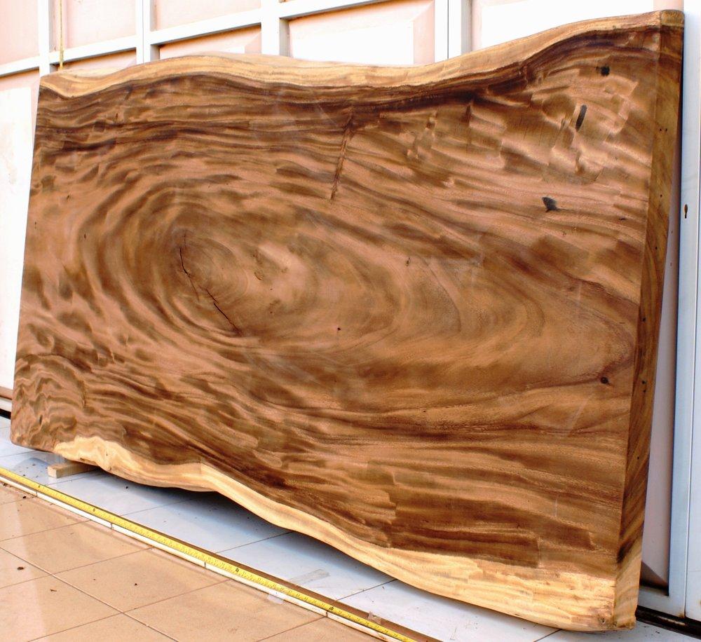 SUAR EYE Материал:слэб деревасуар Размеры: 215x120х8 см