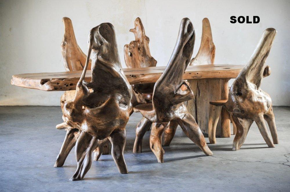 Обеденный стол из слэба тамаринд