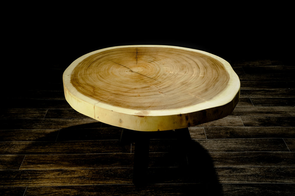 SUAR СOFFEE L  Материал: слэб дерева  суар  Размеры: 102 x 91 х 8 см