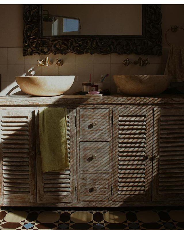 Доброе утро !😃☀️ Simple things are the best things Тумба Minimalis XL с раковинами из мрамора в интерьере от @rocaille_interior