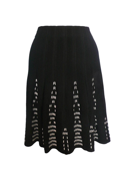 skirt b w twirl.jpg
