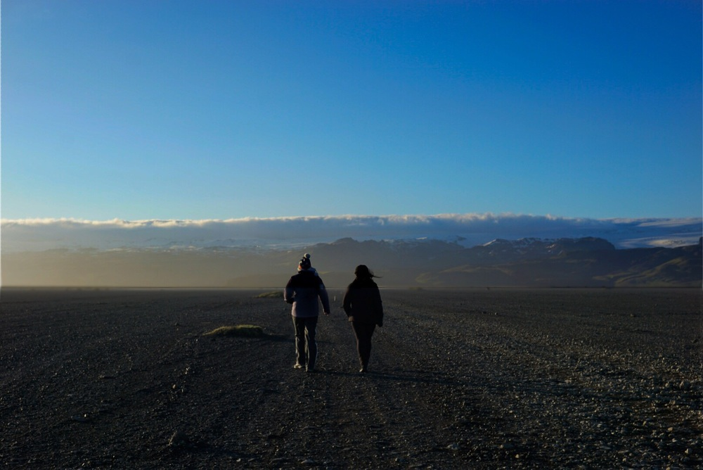 Walking to the SOLHEIMASANDUR PLANE CRASH - ICELAND