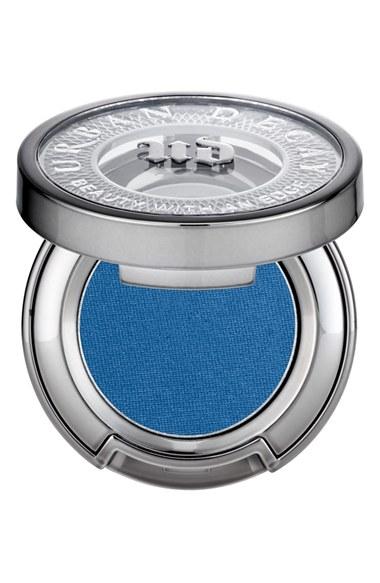 electric-blue-eyeshadow-spring-2016-trend