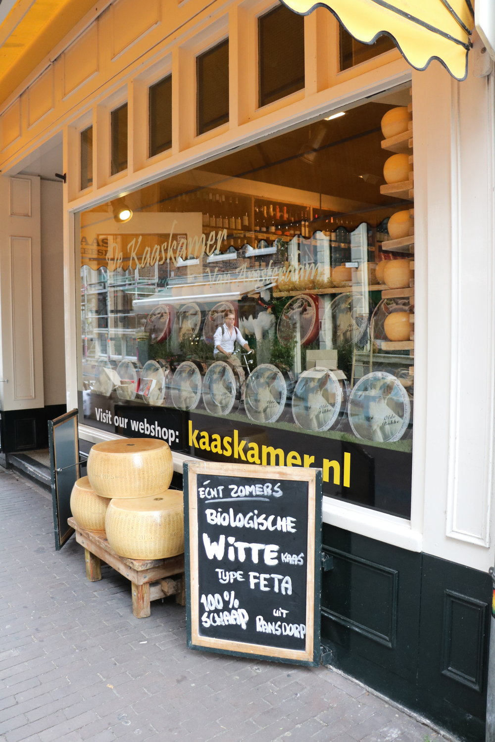 De-Kaaskamer-cheese-shop-amsterdam