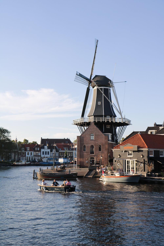 Haarlem-molendeadriaan-sunset