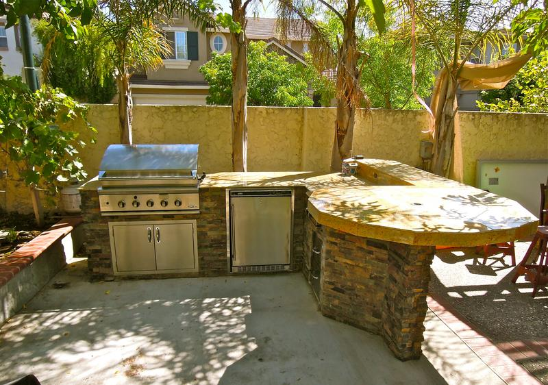 Outdoor_Kitchen_7_0.JPG