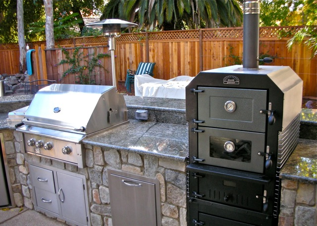 Outdoor pizza ovens smokers unlimited outdoor kitchens for Outdoor kitchen smoker plans