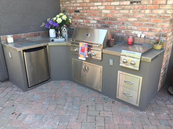 Issa Outdoor Kitchen — Unlimited Outdoor Kitchens