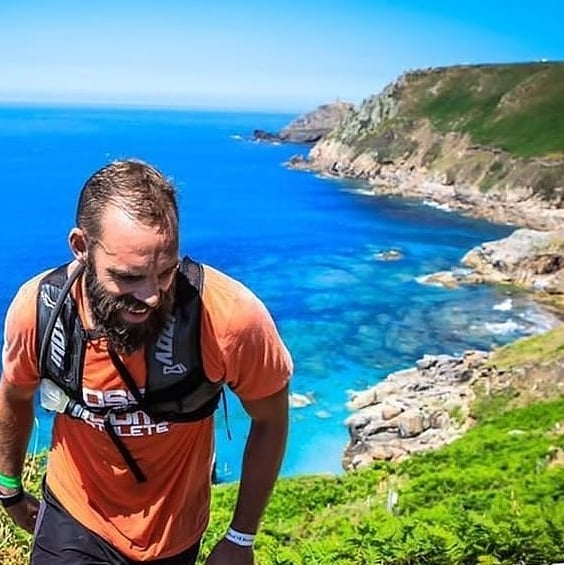 #DevourAndConquer  If you're looking for some Monday Motivation, you've found it right here.  @rarkmogers recently added another ultra to the collection taking on the coast of Western Cornwall at the recent @ratracehq Man Vs Coast 👊