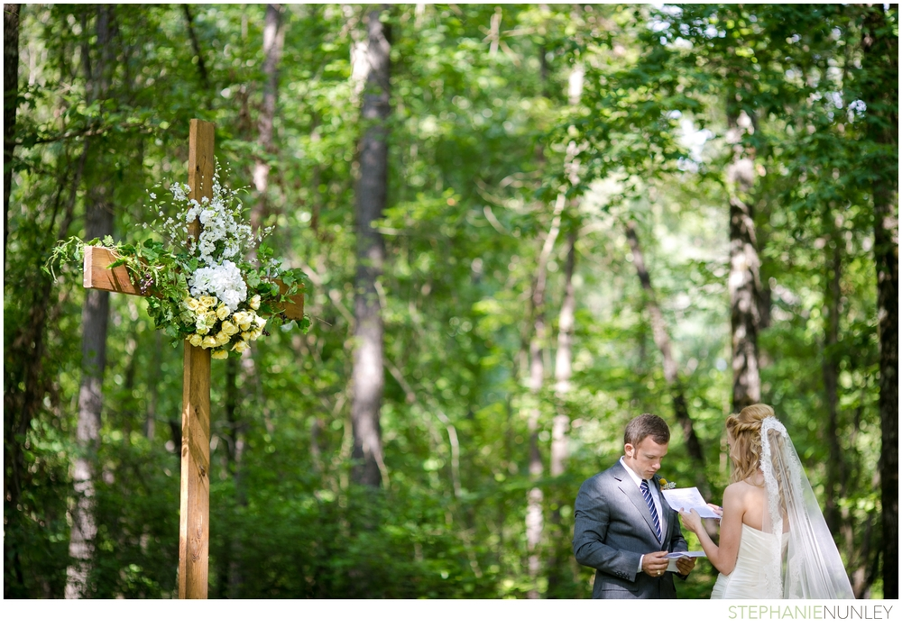 woodsy-arkansas-wedding-photos-10