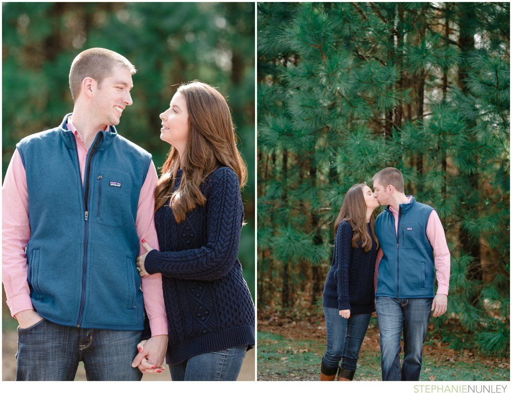 engagement-photos-in-woods-017