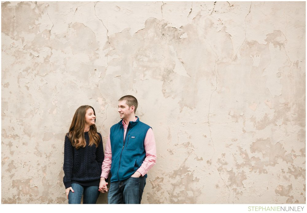 engagement-photos-in-woods-022