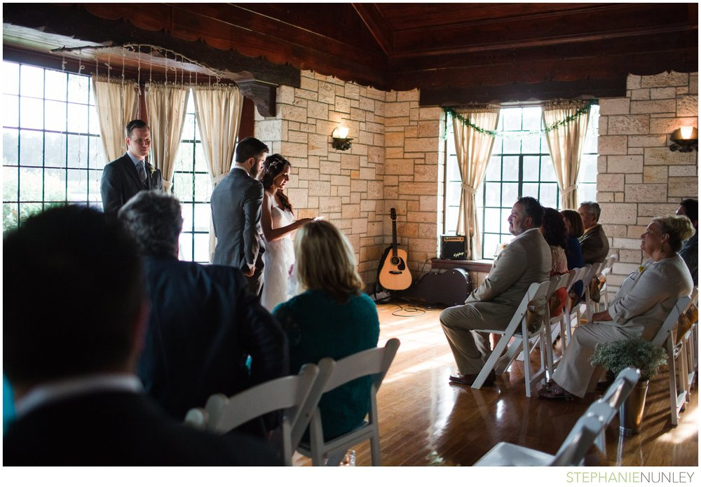 lake-lodge-wedding-photos-030