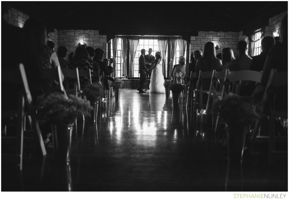 lake-lodge-wedding-photos-034