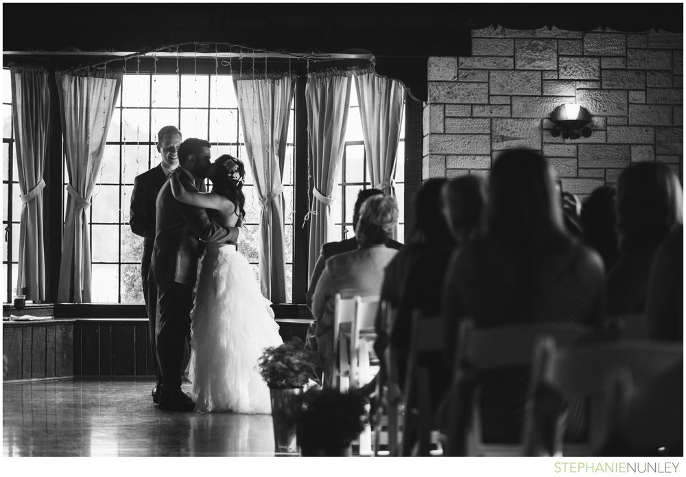 lake-lodge-wedding-photos-039