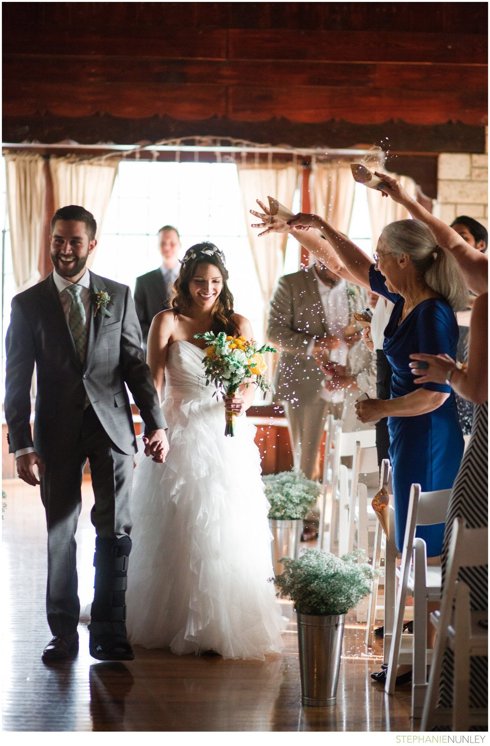 lake-lodge-wedding-photos-040