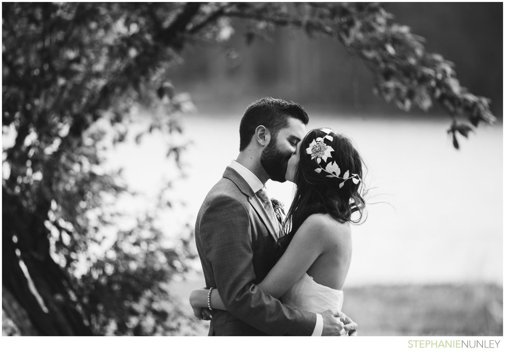 lake-lodge-wedding-photos-051