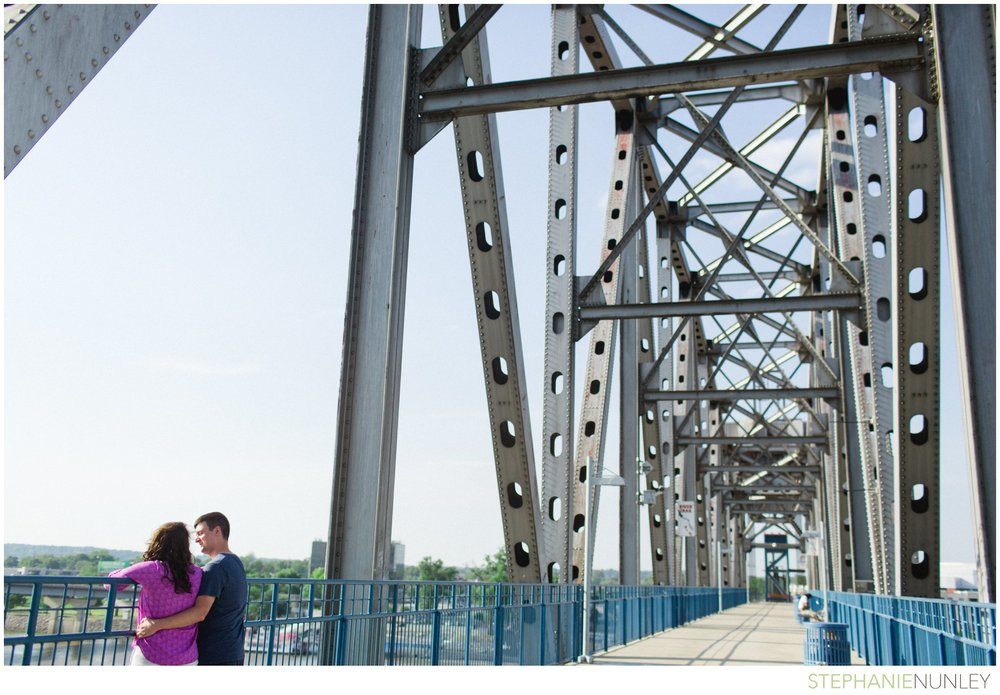 river-market-engagement-photos-012