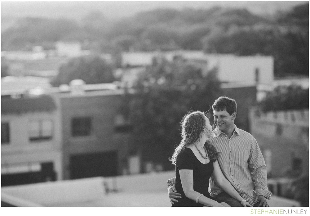 romantic-downtown-engagement-photos-023