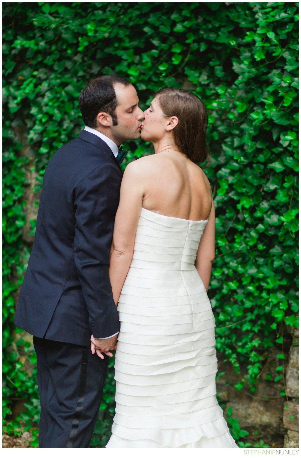 dark-plaid-wedding-photos-043