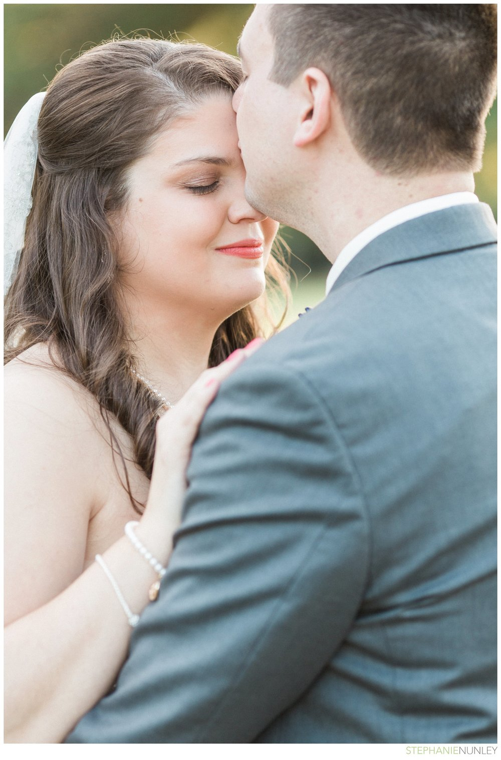 peach-and-navy-wedding-photos-031
