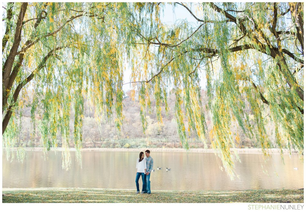 willow-tree-engagement-session-photos-011