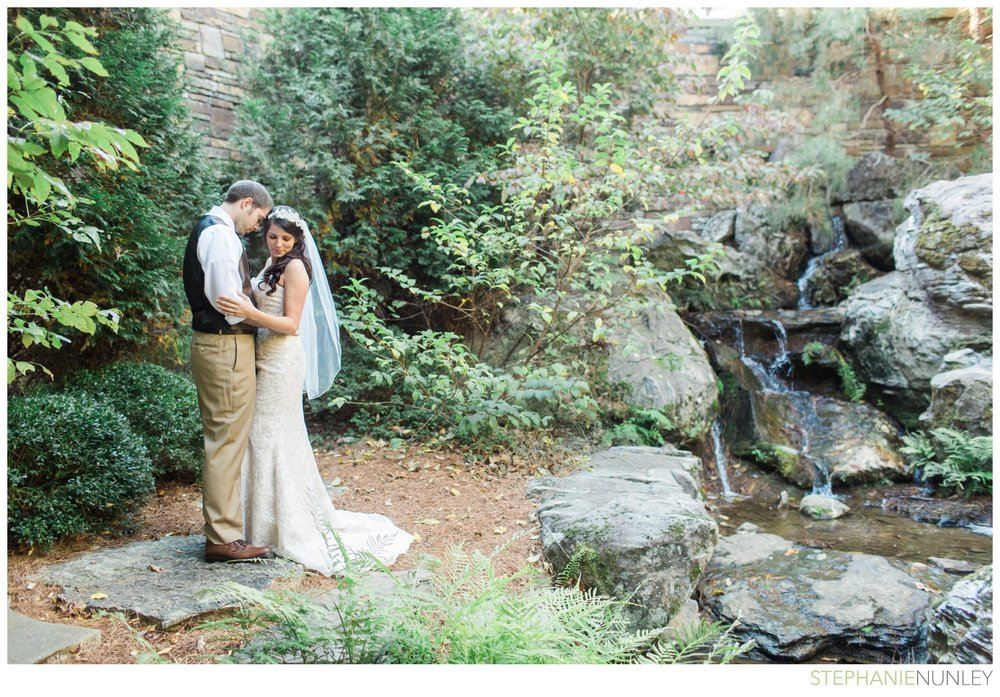 romantic-fall-garvan-garden-wedding-photos-028