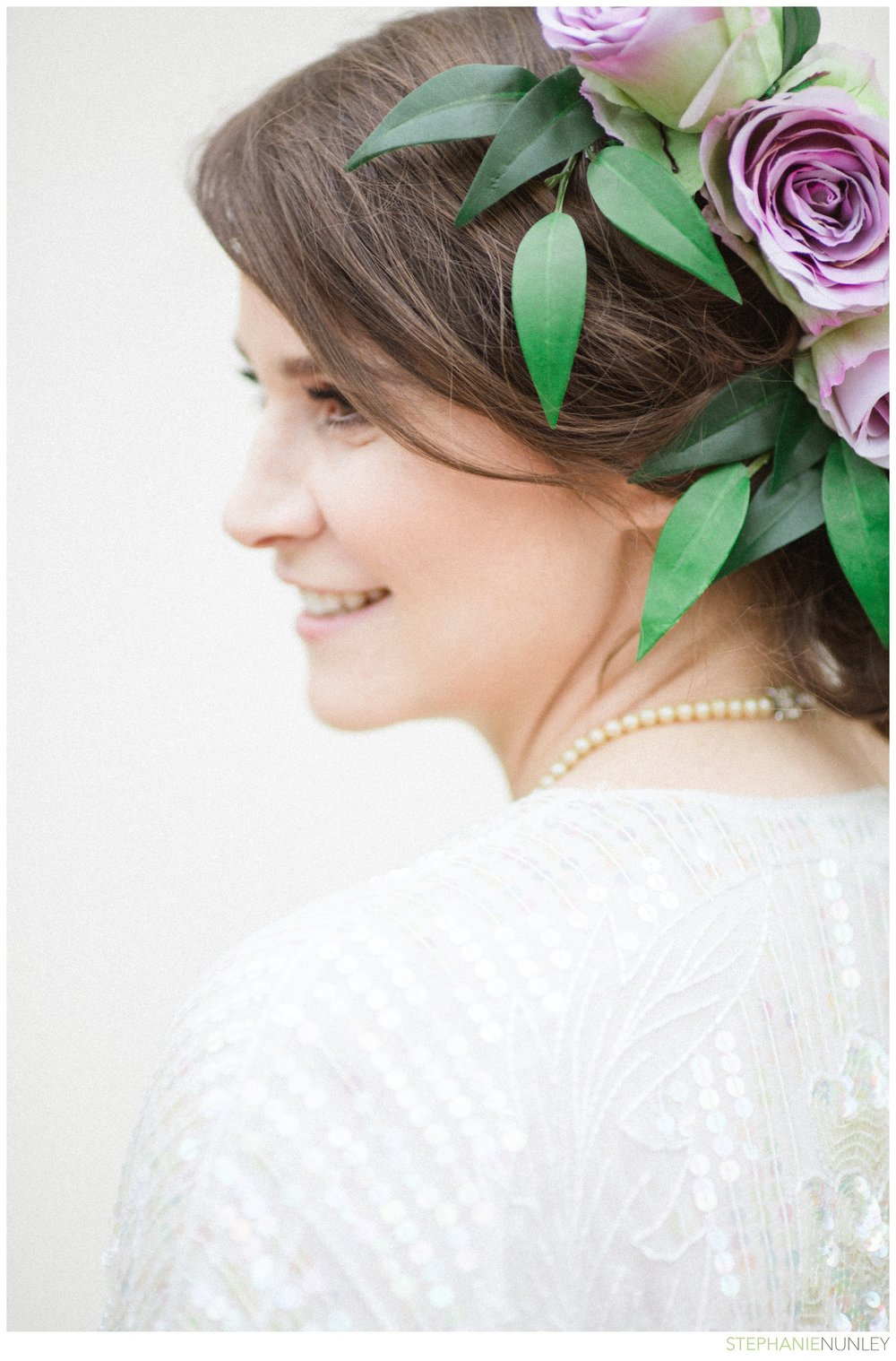 bride-with-floral-hairpiece-002