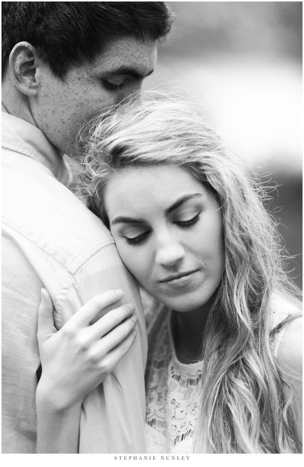 romantic-lake-film-engagement-photos-0007.jpg
