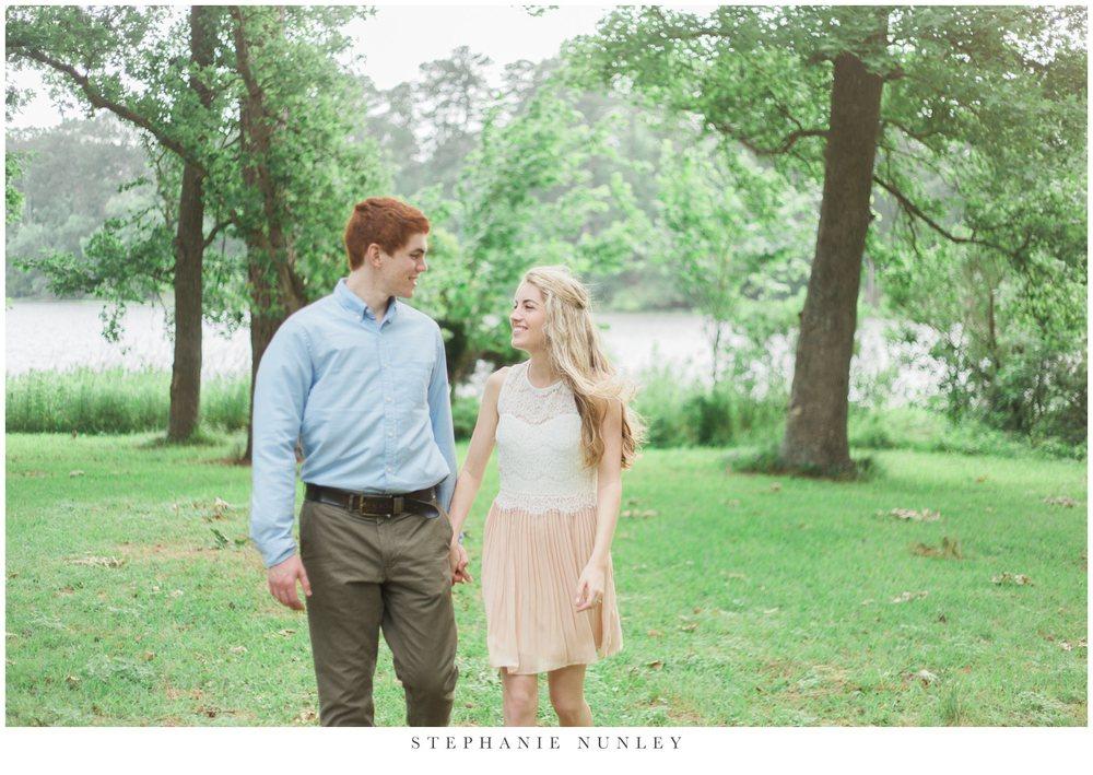 romantic-lake-film-engagement-photos-0010.jpg